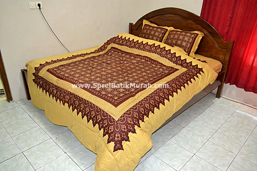Bed Cover Batik Emas